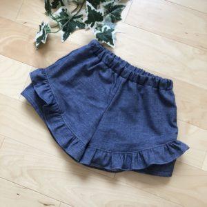 enannaの90~130センチサイズの子ども服よりフリルショートパンツ