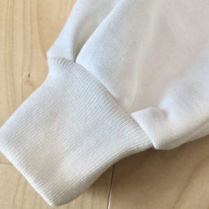 肩落ちラウンドプルオーバーのバルーン袖